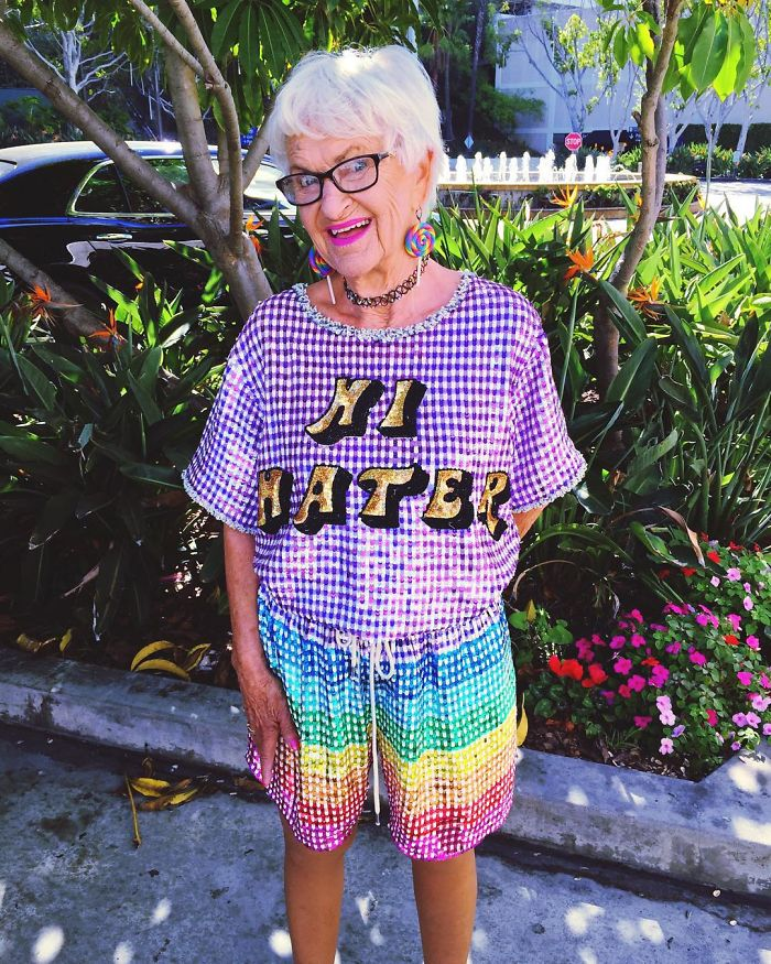 Badass 88-Year-Old Grandma Has Become Instagram's Fashion Icon