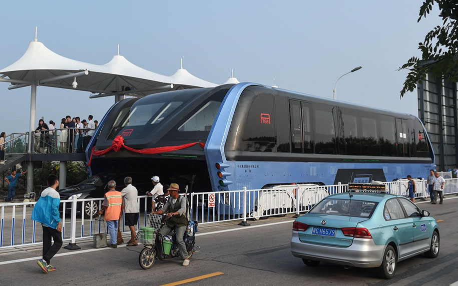 transit-elevated-bus-concept-built-first-test-qinhuangdao-china-2