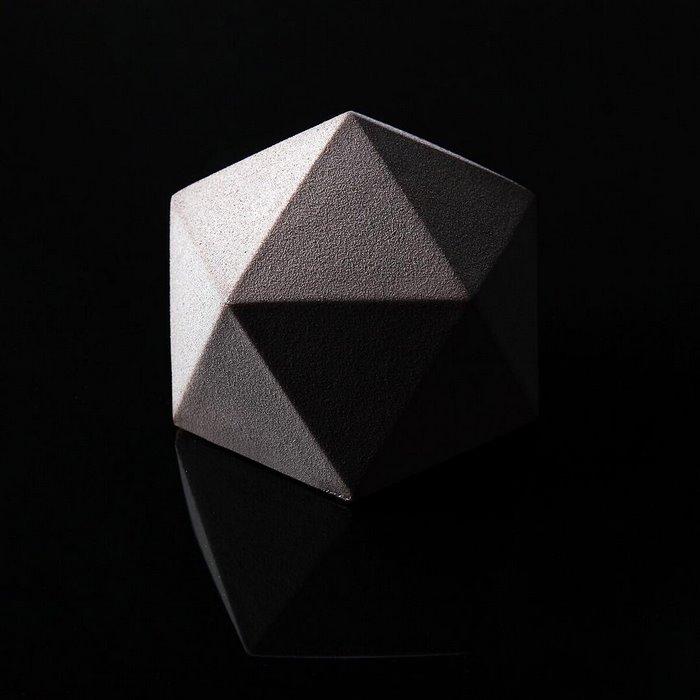 architectural-cake-designs-geometric-patisserie-dinara-kasko-23