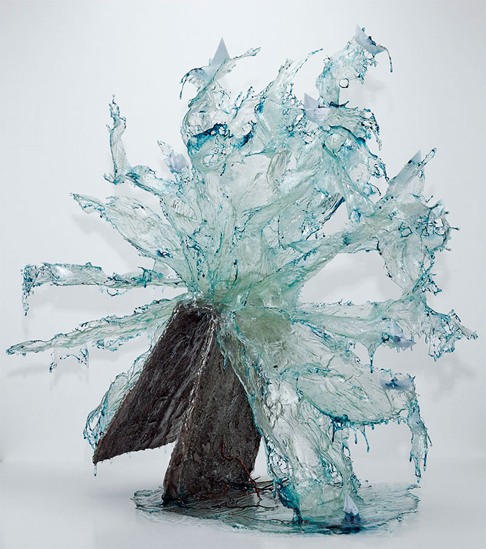 exploding-books-resin-glass-frozen-liquid-sculpture-liquidity-annalu-boerettos-29