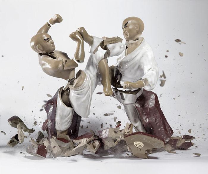 shattered-porcelain-dolls-fight-martin-klimas-5