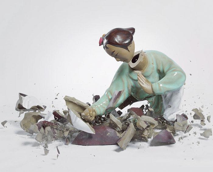 shattered-porcelain-dolls-fight-martin-klimas-8