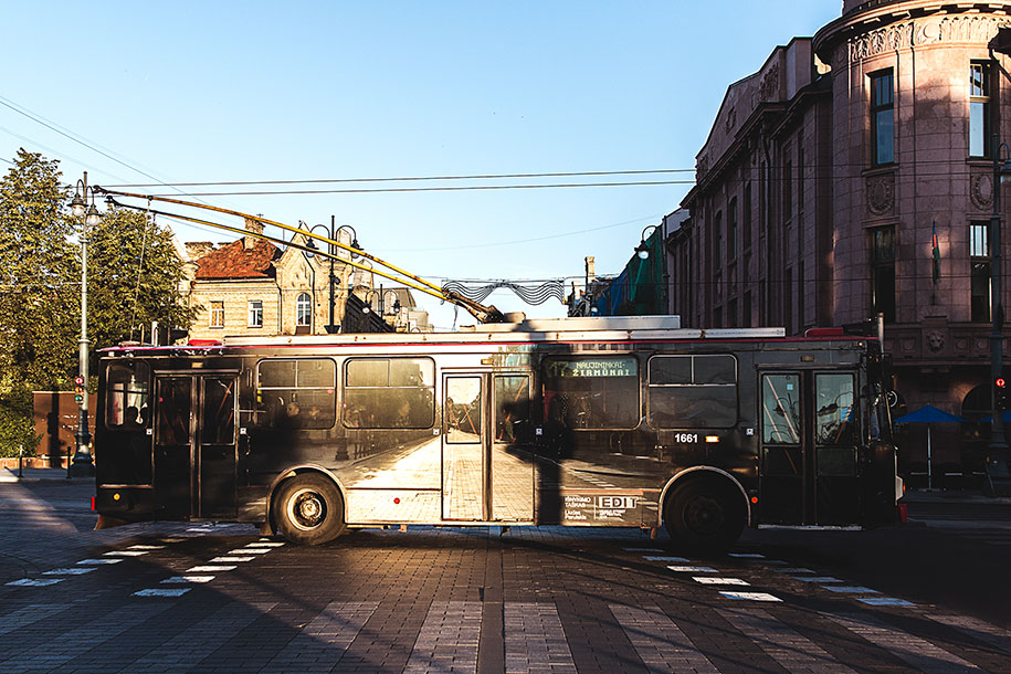 vanishing-trolleybus-vilnius-street-art-festival-liudas-parulskis-6