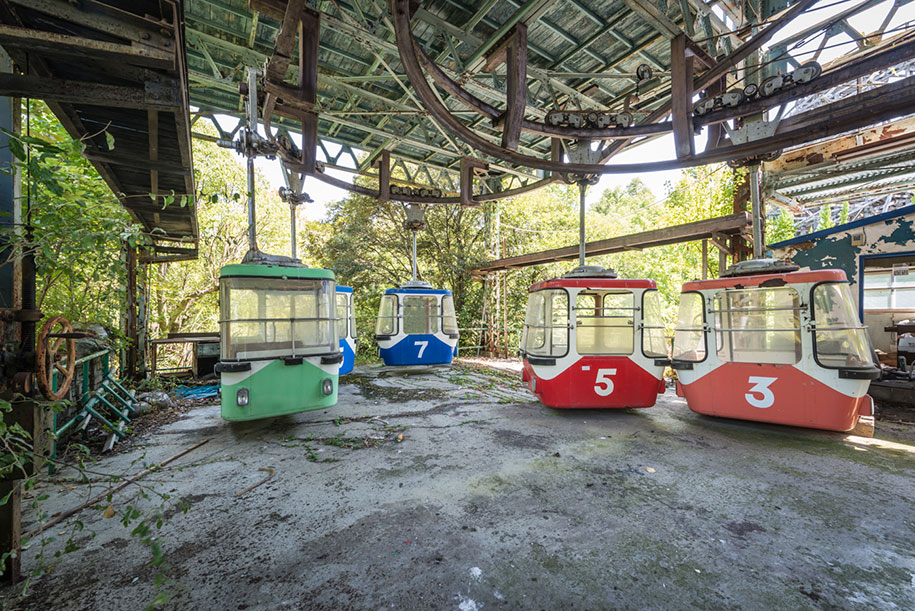 Abandoned Dreamland Theme Park In Japan Now Looks Like A