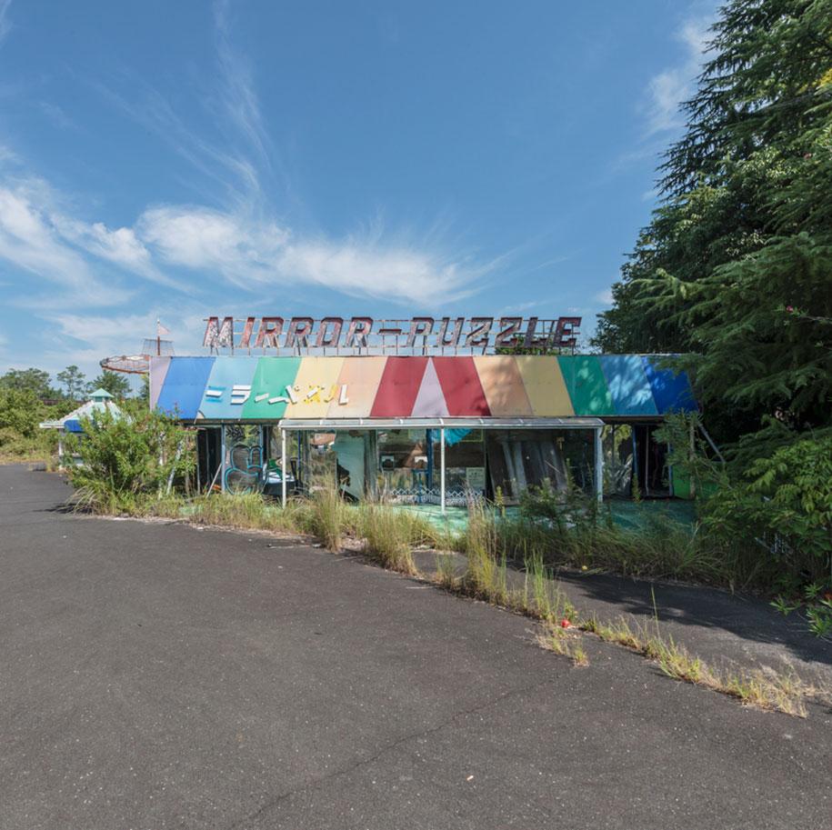 abandoned-theme-park-nara-dreamland-japan-romain-veillon-22