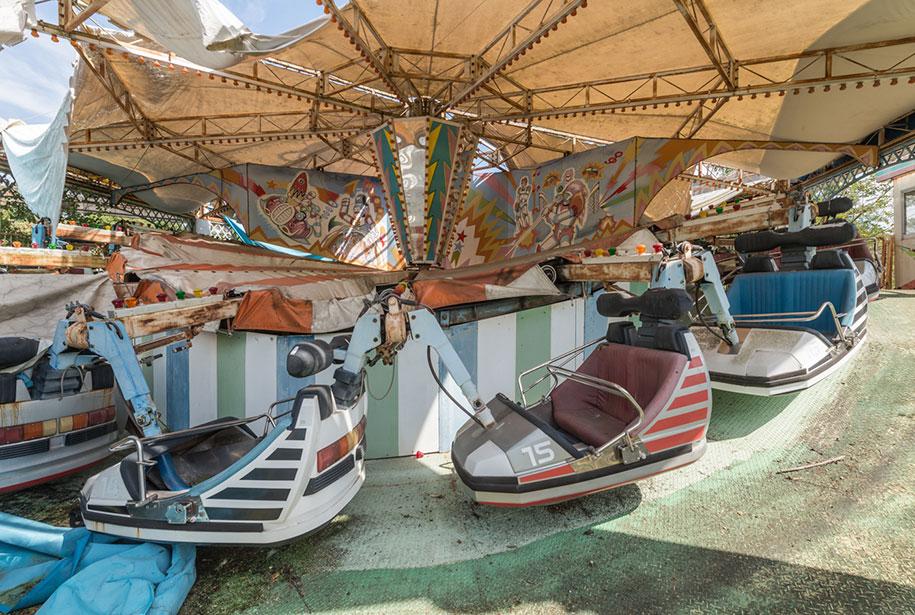 abandoned-theme-park-nara-dreamland-japan-romain-veillon-26