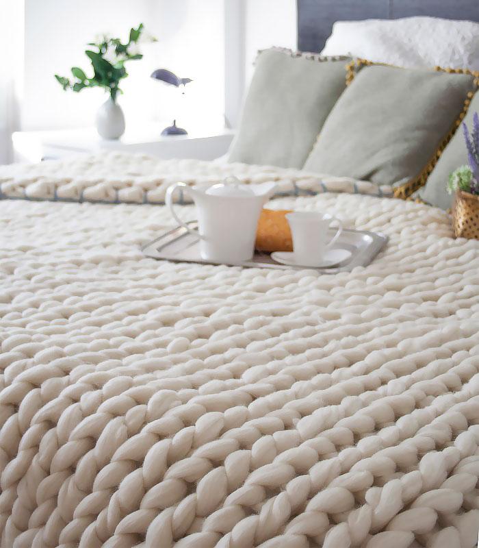 extreme-knitting-blanket-tutorial-laura-birek-5