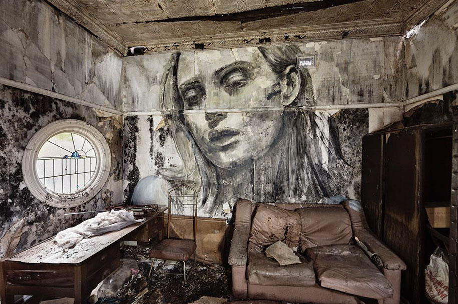 intimate-portraits-abandoned-houses-street-art-empty-rone-3
