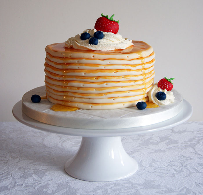 junk-food-cakes-laura-loukaides-1-3