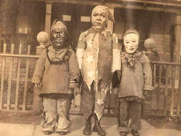 scary-vintage-halloween-costumes-creepy-16