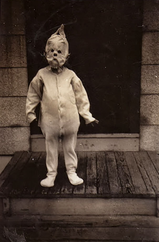 scary-vintage-halloween-costumes-creepy-17