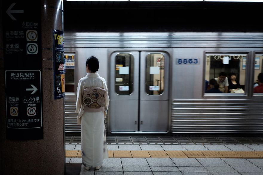 unique-japan-street-photography-1