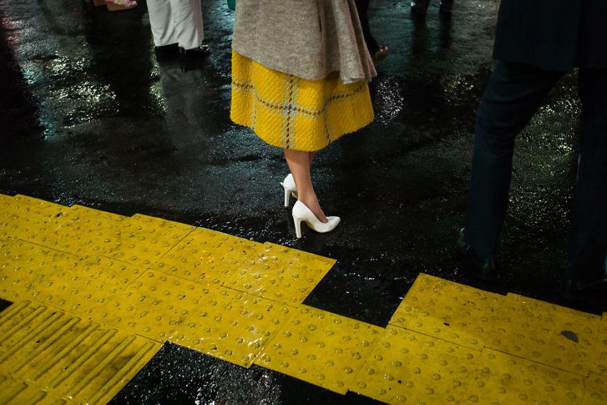 unique-japan-street-photography-16
