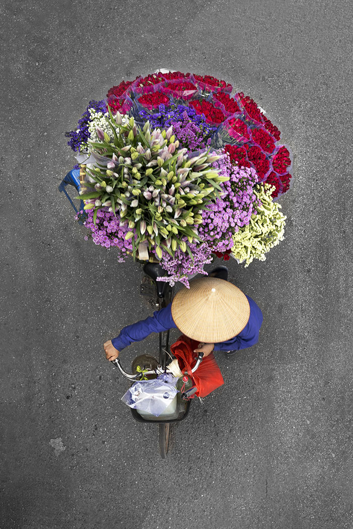 vietnamese-street-vendors-overhead-photos-hanoi-loes-heerink-9