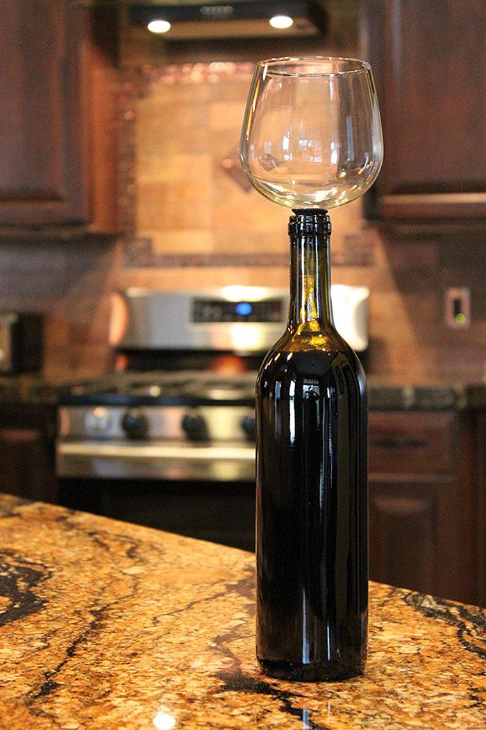 wine-bottle-glass-cork-guzzle-buddy-5