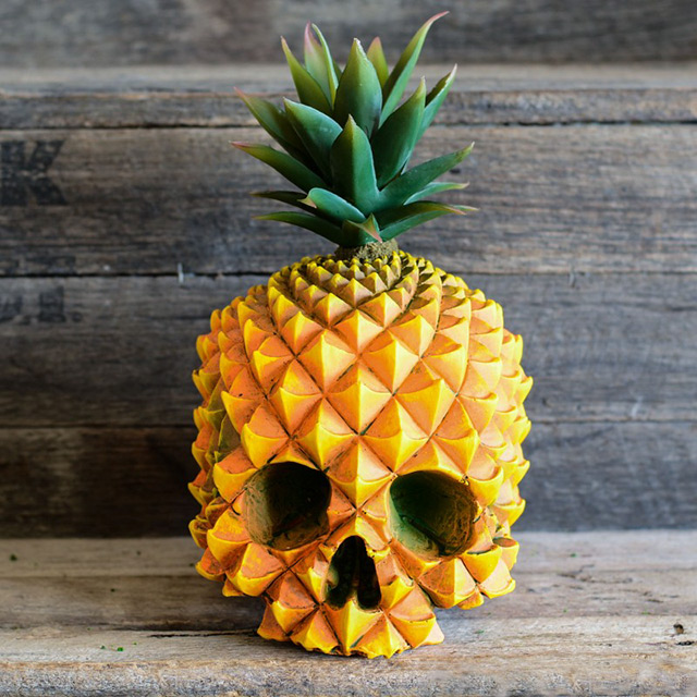 This Custom Human Skull Art Is The Perfect Mix Between