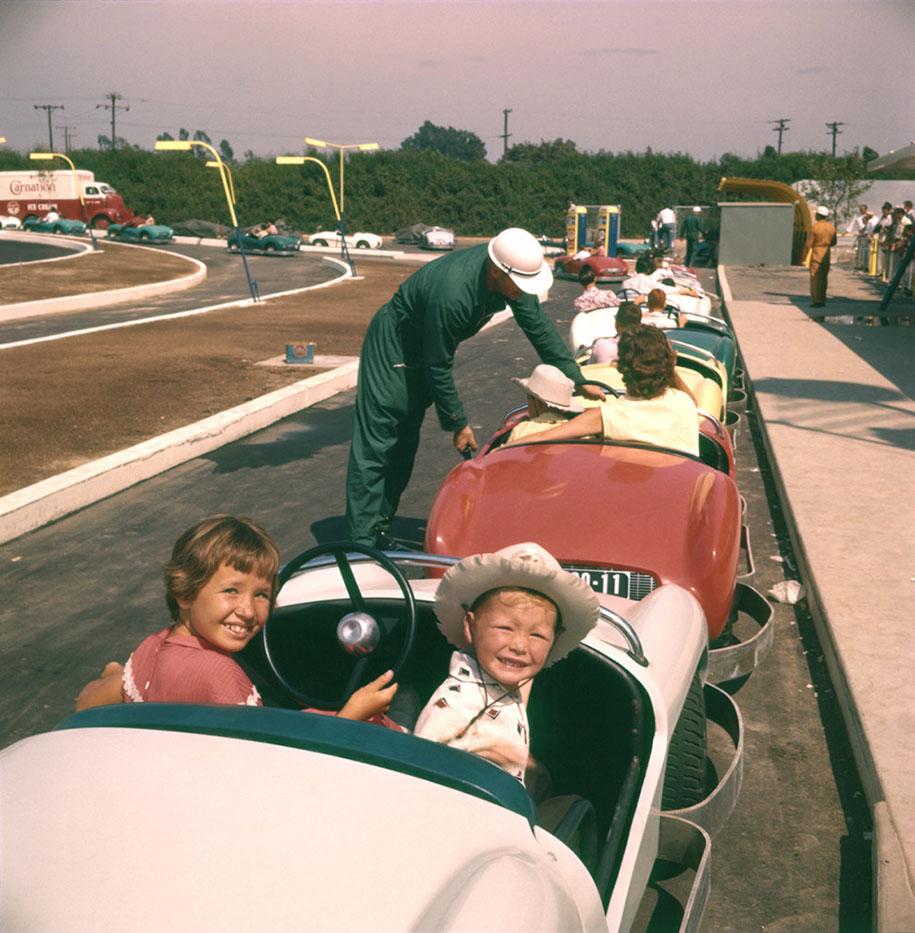 disneyland-opening-day-1955-10