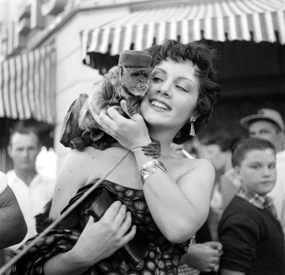disneyland-opening-day-1955-14