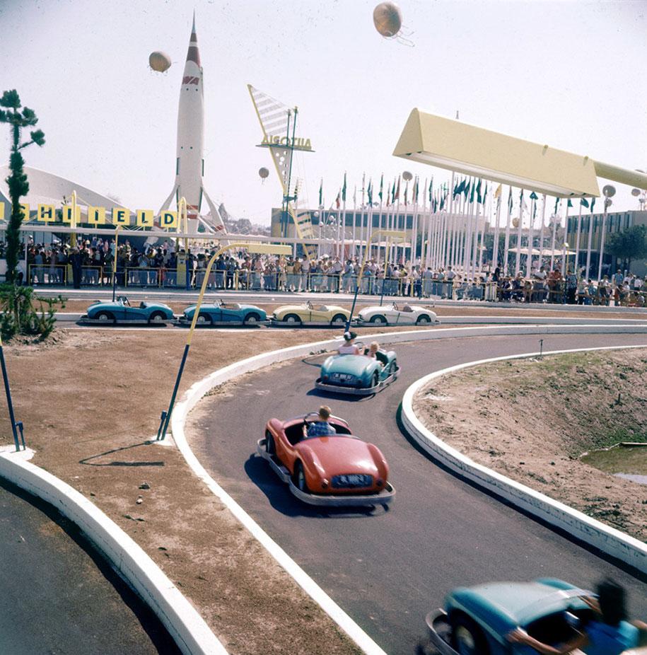 disneyland-opening-day-1955-22