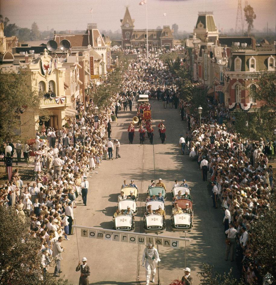 disneyland-opening-day-1955-8