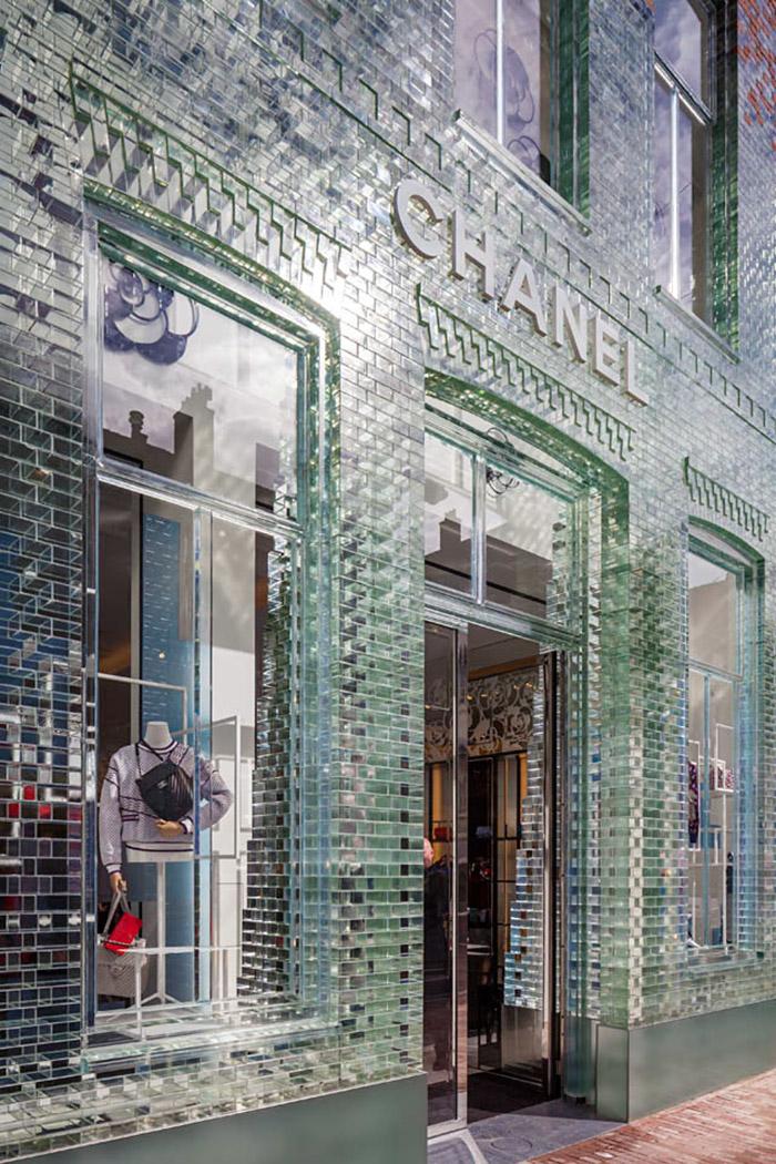 crystal-houses-chanel-store-mvrdv-glass-facade-amsterdam-10