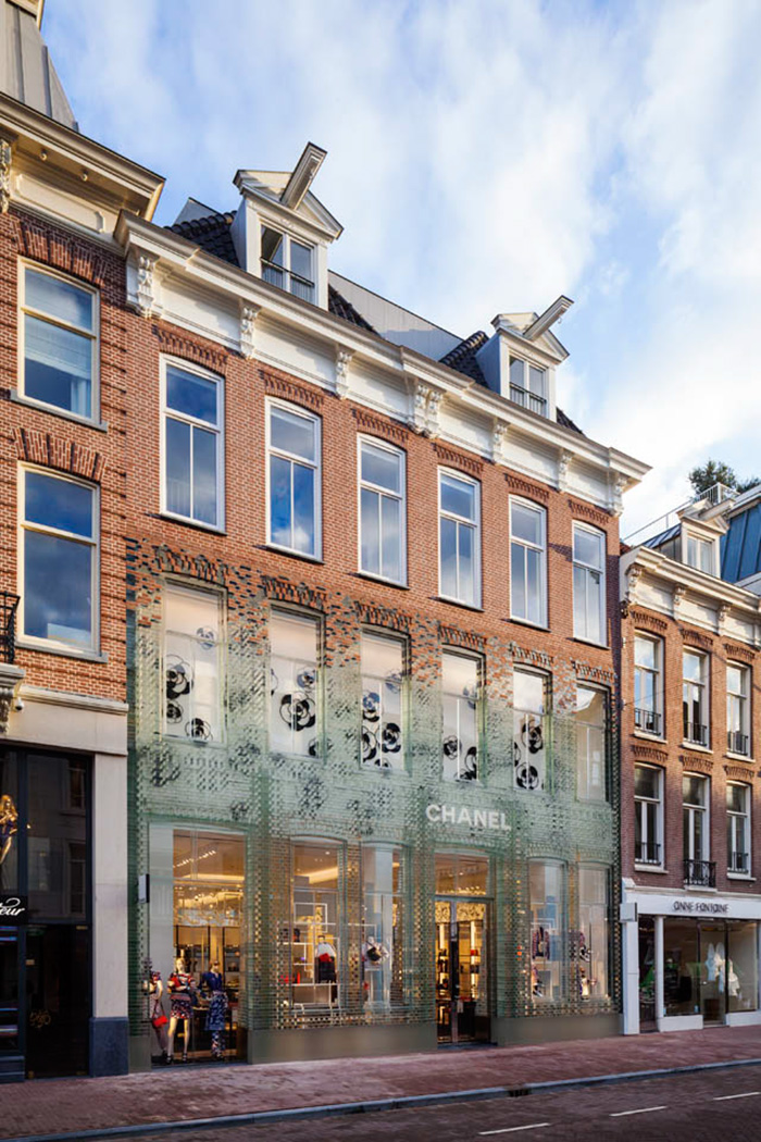 crystal-houses-chanel-store-mvrdv-glass-facade-amsterdam-4