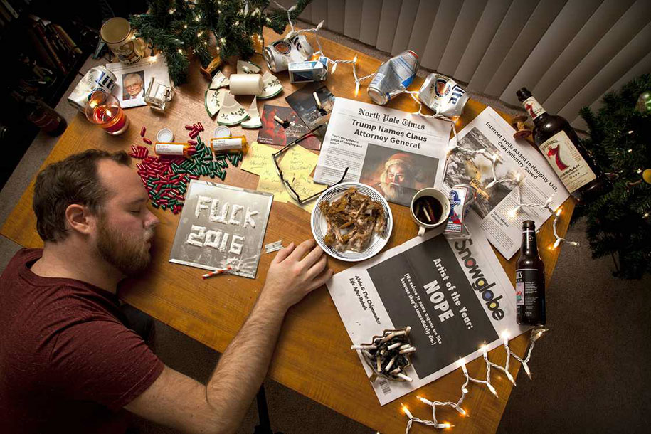 Guy Trolls His Family With The Worst Christmas Cards Every Year