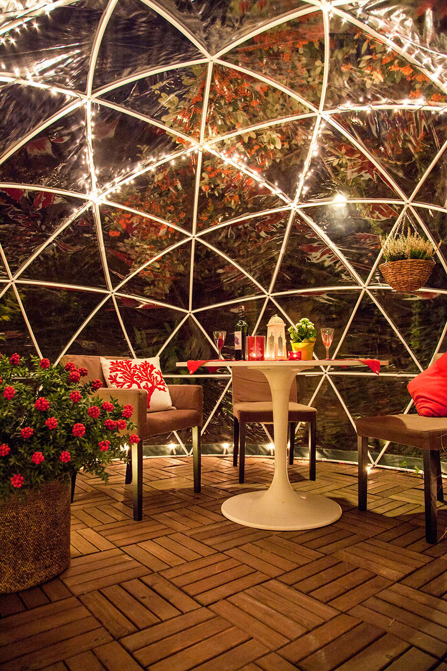 weatherproof igloo is a year round retreat in your backyard. Black Bedroom Furniture Sets. Home Design Ideas