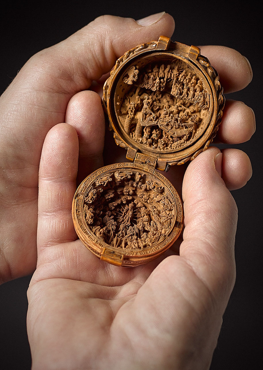 miniature-boxwood-carvings-16th-century-5
