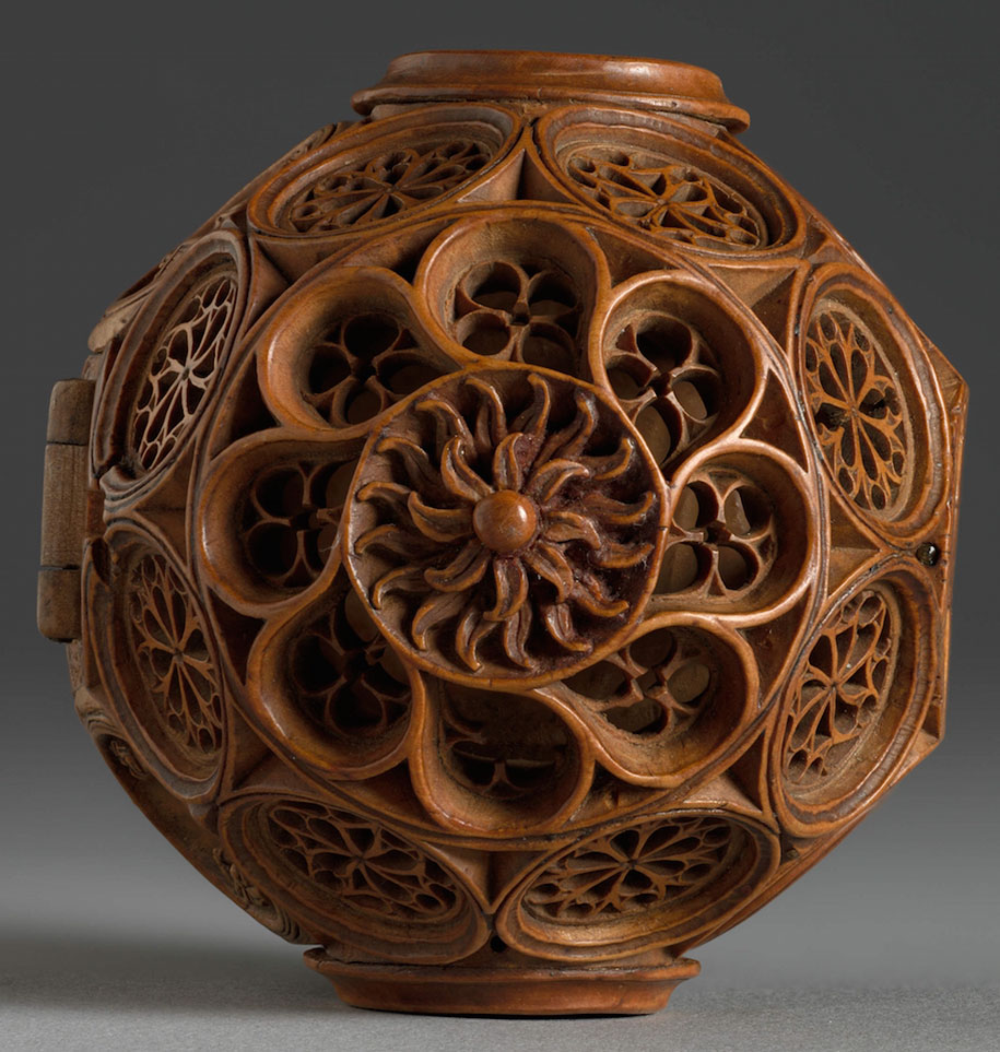 miniature-boxwood-carvings-16th-century-6