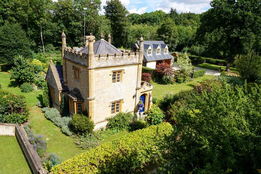 uk s smallest castle is for sale and it costs no more than a mid