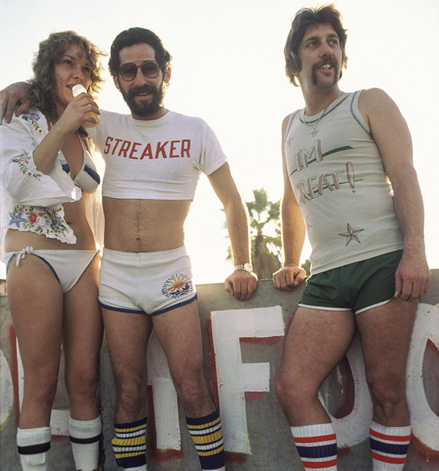 8020f9826a How Men Wore Shorts In The 1970s | DeMilked