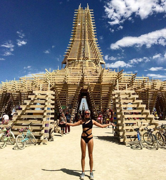15 incredible photos from burning man 2017 prove once again it s the craziest festival on the - Festival burning man 2017 ...
