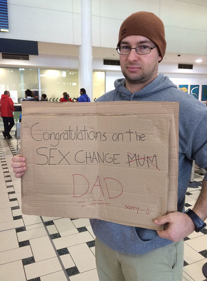 10 most creative airport pickup signs that were