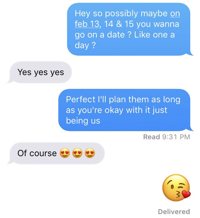 A text planning a date
