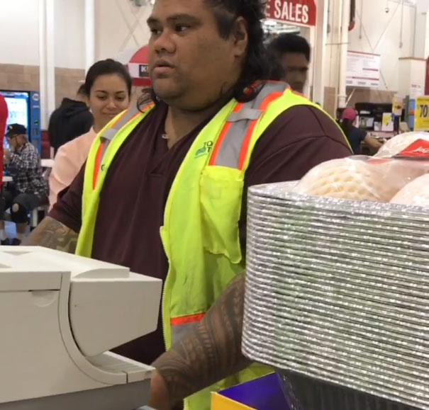 These Girls Mistake Costco Cashier For Maui From 'Moana,' Here's His
