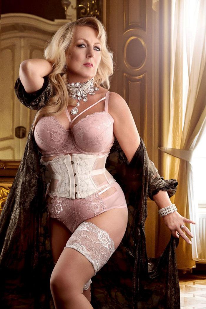 Sexy mature women over 60