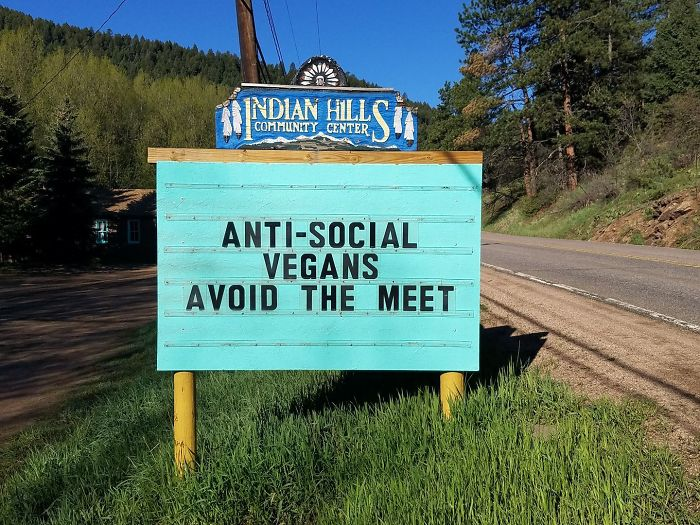 Someone In Colorado Is Putting The Funniest Signs Ever