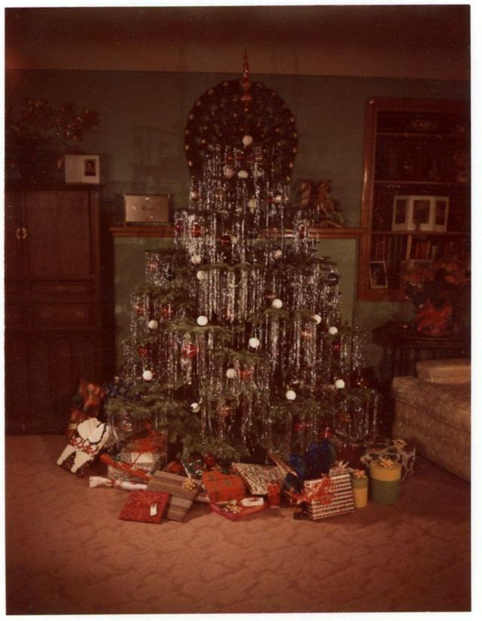 Vintage Christmas Decorations 1950s.50 Photos Showing How People Used To Decorate Their Homes In