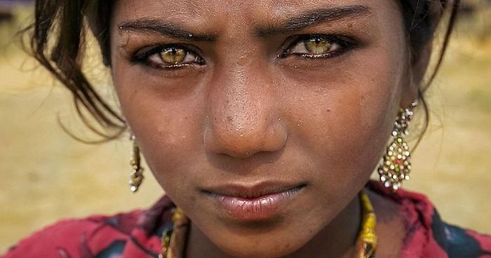 Photographer Captures The Unique Beauty Of Local People While Traveling Through India