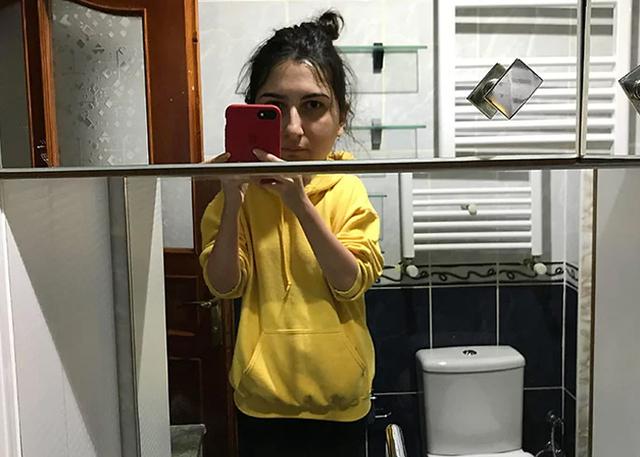 30 Surprisingly Hilarious Bathroom Mirror Designs Demilked