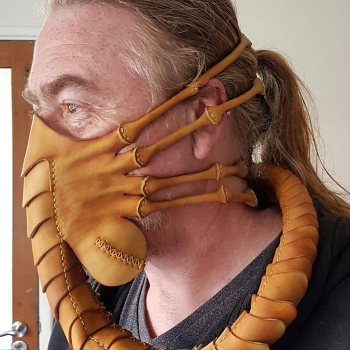 Artist Creates Eerily Realistic Facehugger Face Mask