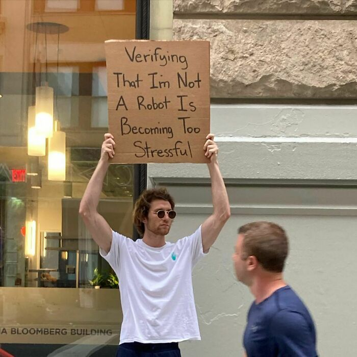'Dude With Sign' Uses Funny Signs To Protest Annoying Everyday Situations (20 New Pics)