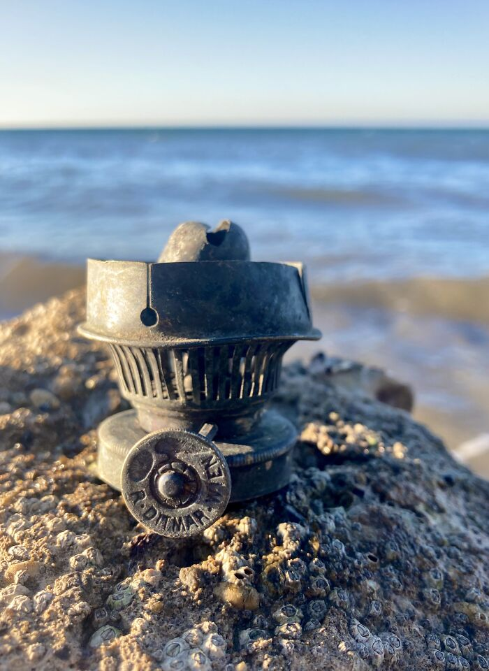 20 Times This Woman Found The Most Unique Old Things By The Seashore
